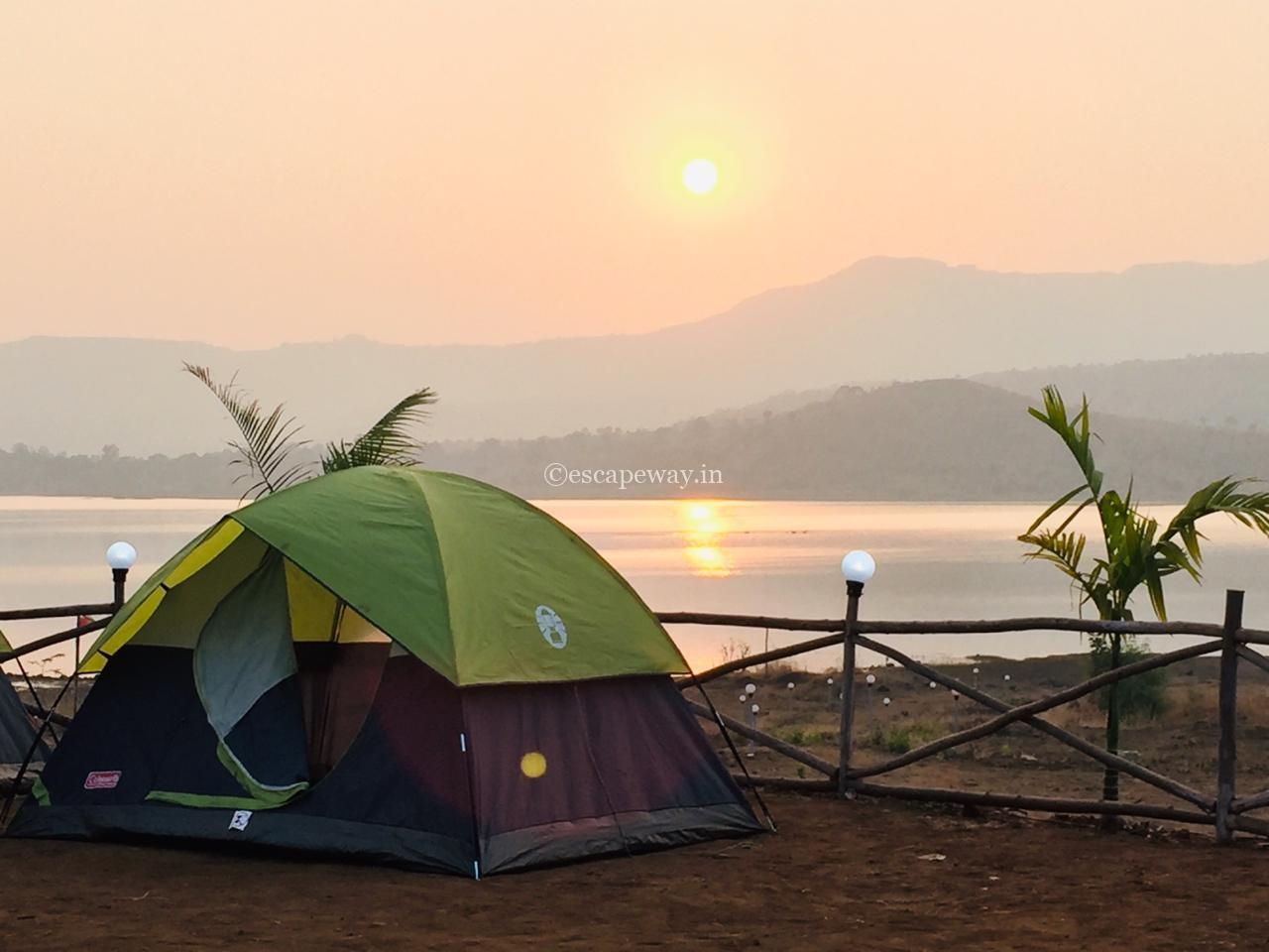 Tent with sunrise img